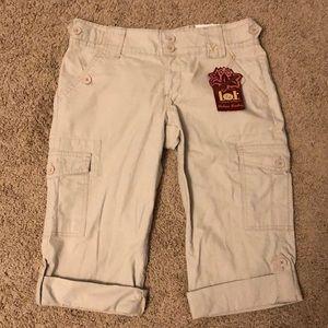 L.e.i. Chelsea Lowboy khaki pants.     (A40)
